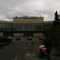 Photo taken at Дом молодежи Санкт-Петербурга by Asan T. on 10/13/2012