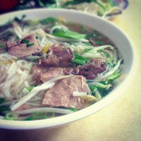 Photo taken at Pho Ca Dao by Wil C. on 9/17/2012