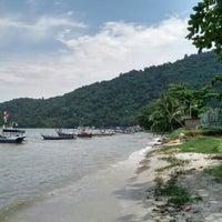 Photo taken at Gertak Sanggul Seaside by Hilmy R. on 8/1/2015