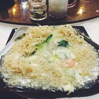 Photo taken at Restoran Kayu Manis by Lorena R. on 6/27/2013