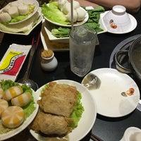 Photo taken at Nhà hàng lẩu Soa Soa by 🍃🌺🍃 MY KHANH 🍃🌺🍃 on 3/19/2016