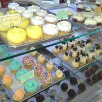 Photo taken at Hamptons Cupcakes by Christiniti on 3/1/2013