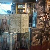 Photo taken at Librería Porrúa by Cecy S. on 12/6/2012