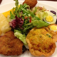 Photo taken at Old House Restaurante by Pilar V. on 8/9/2013