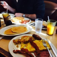 Photo taken at Bull's Head Diner by Laura D. on 12/29/2014