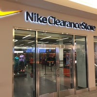 nike discount stores