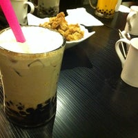 Photo taken at Bubble World Tea House 大頭仔 by Kevin M. on 12/18/2012