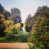 Photo taken at Buckingham Palace Gardens by Annie G. on 8/25/2013