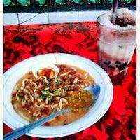 Photo taken at Es Kacang Mamat by vagha j. on 10/8/2011