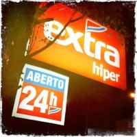 Photo taken at Extra Hiper by Rodrigo L. on 3/21/2012