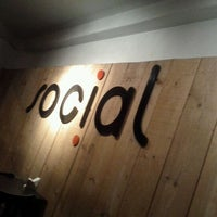Photo taken at Social Bar e Restaurante by Ismael C. on 9/11/2011