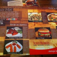 Photo taken at Tony Roma's Ribs, Seafood, & Steaks by Jorge R. on 8/15/2012