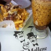 Photo taken at Milk & Mellow Burgers by Fernando K. on 8/26/2012
