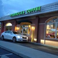 Photo taken at Starbucks by Ghen A. on 8/12/2012