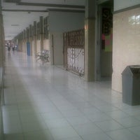 Photo taken at SMA Muhammadiyah 2 Sidoarjo by Rheza F. on 12/21/2013