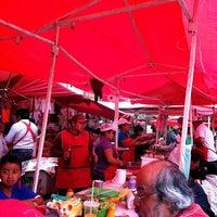 Photo taken at Tianguis Del Sabado by Mauro B. on 5/25/2013