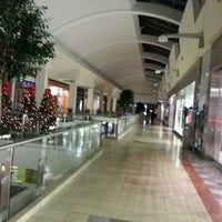 Photo taken at Westfield Garden State Plaza by David D. on 12/22/2012