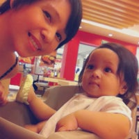 Photo taken at KFC by Thine A. on 11/7/2014