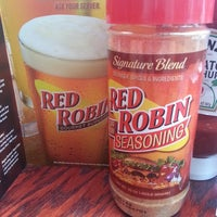 Photo taken at Red Robin Gourmet Burgers by Sovedan H. on 6/28/2013