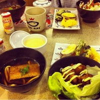 Photo taken at Sushi King by Danni D. on 11/7/2012