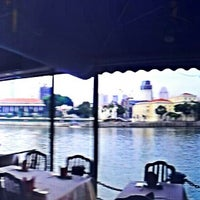 Photo taken at Marina Bay Seafood@Boat Quay by John Marie E. on 6/8/2013