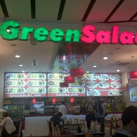 Photo taken at Green Salads by Duygun0 O. on 11/12/2012