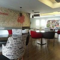 Photo taken at Speed Cafe by Barış Ö. on 12/29/2012