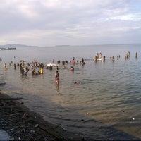 Photo taken at Pantai Bahari Polewali by Fitra D. on 5/3/2014