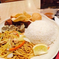 Photo taken at Chow King by Archie A. on 9/17/2015