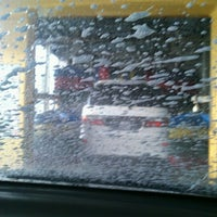 Photo taken at Sentral Car Wash by Din Kuantan on 11/18/2012