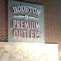 Photo taken at Houston Premium Outlets by Abdullah A. on 3/22/2013