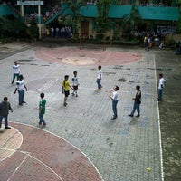 Photo taken at SMA Negeri 6 Surabaya by Dian Viva A. on 6/11/2013