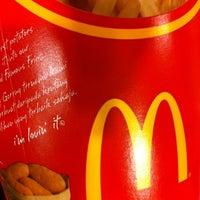 Photo taken at McDonald's / McCafé by Meng Kwang N. on 11/24/2012