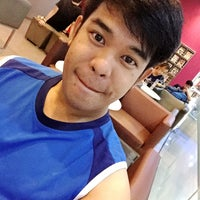 Photo taken at Fitness First by Boloer T. on 8/26/2016