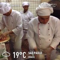 Photo taken at Pizza & Pizzas by Alê P. on 6/8/2013