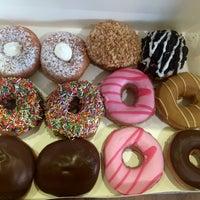 Photo taken at Krispy Kreme by Esra S. on 8/31/2016
