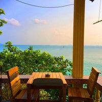 Photo taken at Sunrise Villas Resort by Ampika J. on 3/14/2015