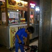 Photo taken at Restoran kawanku bangsar by Mat K. on 12/10/2012