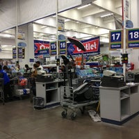 Photo taken at Sam's Club by Jose Carlos G. on 5/25/2013
