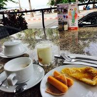 Photo taken at Redsteps Restaurant-Sandalay Resort by Ling L. on 9/23/2016
