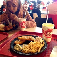 Photo taken at Marrybrown by Fatin N. on 2/13/2015