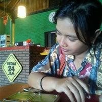 Photo taken at Kedai 24 Jam by Agung E. on 5/29/2013