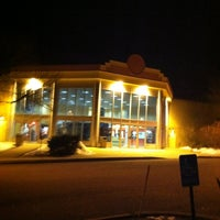 Photo taken at Palace 9 Cinemas by Eric F. on 2/17/2013