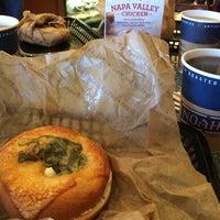 Photo taken at Noah's Bagels by Benigno N. on 10/29/2014