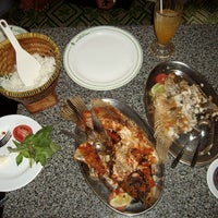 Photo taken at Hotel & Restaurant Sari Kuring Indah by Arton B. on 7/13/2013
