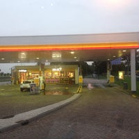 Photo taken at Shell Blommendaal by Robin K. on 9/17/2013