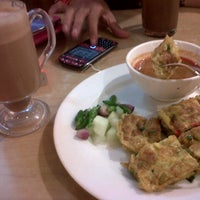 Photo taken at Coffee Box by Dewi S. on 7/19/2013