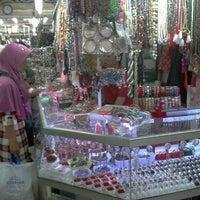 Photo taken at Toko Permata Kalimantan's by Fery R. on 7/28/2013