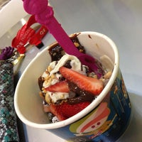 Photo taken at Menchie's Frozen Yogurt by Mjay P. on 4/19/2013