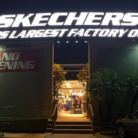 Photo taken at SKECHERS Factory Outlet by Natalie F. on 11/26/2015